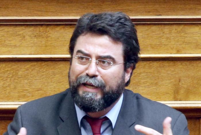 http://www.haniotika-nea.gr/media/2014/06/Vassilis-Oikonomou1.jpg