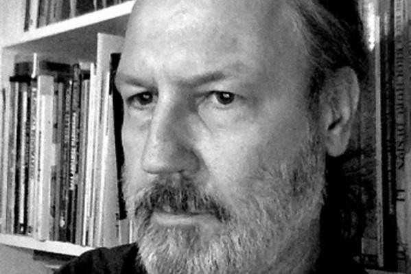 Ο καθηγητής στο Τμήμα Γραφιστικής της Σχολής Καλλιτεχνικών Σπουδών του ΑΤΕΙ Αθήνας Γιώργος Ματθιόπουλος