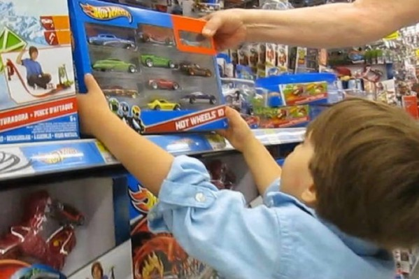 Το παιχνίδι πρέπει να αντιστοιχεί στην ηλικία του παιδιού και να μην είναι επικίνδυνο
