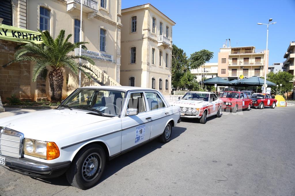"""Αποτέλεσμα εικόνας για Αυτοκίνητα – """"θρύλοι"""" στους δρόμους των Χανίων"""