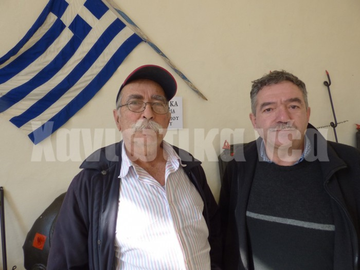 Οι κ. Θ. Χαϊδεμενάκης (αριστερά) και Μ. Μαρτσάκης του Πολιτιστικού Συλλόγου Αμυγδαλοκεφαλίου