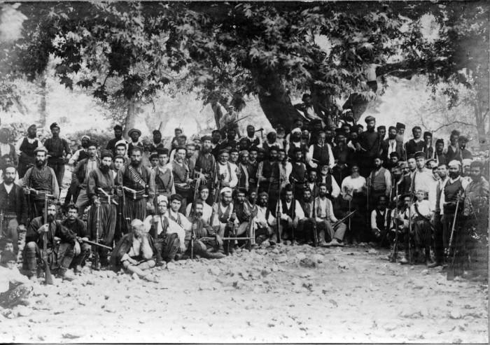 Συγκέντρωση ένοπλων χριστιανών στον Τζιτζιφέ Αποκορώνου, Μάιος 1896.