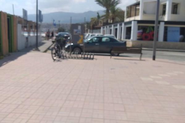 Χώρος στάθμευσης μόνο για ποδήλατα.