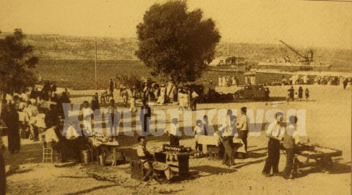 Η πλατεία της Σούδας όπως ήταν το 1950 (φωτογραφικό αρχείο Στ. Μυριδάκης).