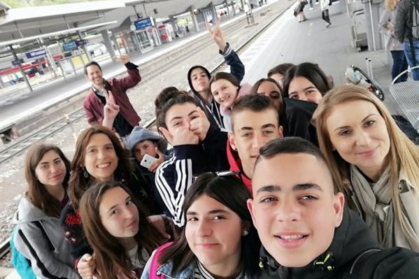 4. Στο σταθμό του τρένου προς την πόλη Αντερνάχ