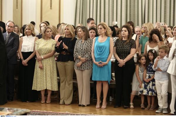 Συγγγενείς των νέων μελών της κυβέρνησης
