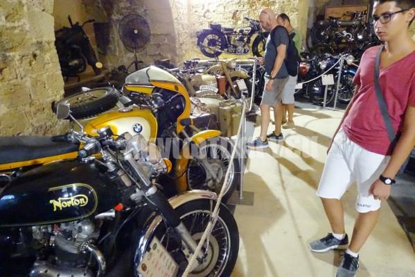 Μεγάλο το ενδιαφέρον του κόσμου στην έκθεση κλασσικής μοτοσυκλέτας
