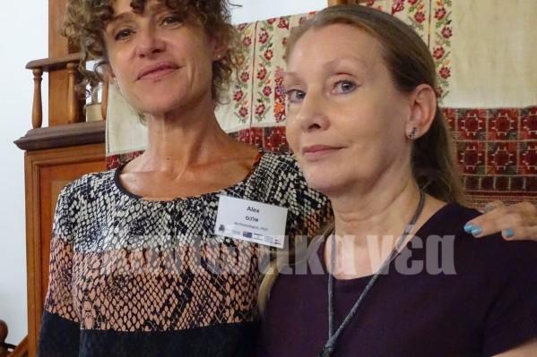 "H Α. Αριόττι (Alexandra Ariotti), αρχαιολόγος και ιστορικός και η πρόεδρος του Δ.Σ. της ""Ετς Χαγίμ"" Μαριάννα Βίντερ (δεξιά)."