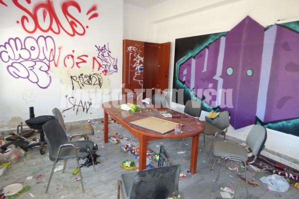 Εικόνες ντροπής αντικρίζει κανείς σήμερα στους βοηθητικούς - εκπαιδευτικούς χώρους του εγκαταλελειμμένου Μουσείου.