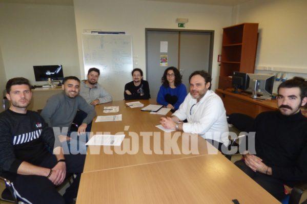 Φοιτητές του εργαστηρίου μαζί με τον Ν. Μουμουτζή.