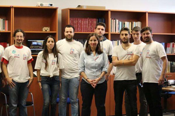 Η ομάδα Surreal με την επιστημονική υπεύθυνη την Αναπλ. Καθηγήτρια κ. Κατερίνα Μανιά