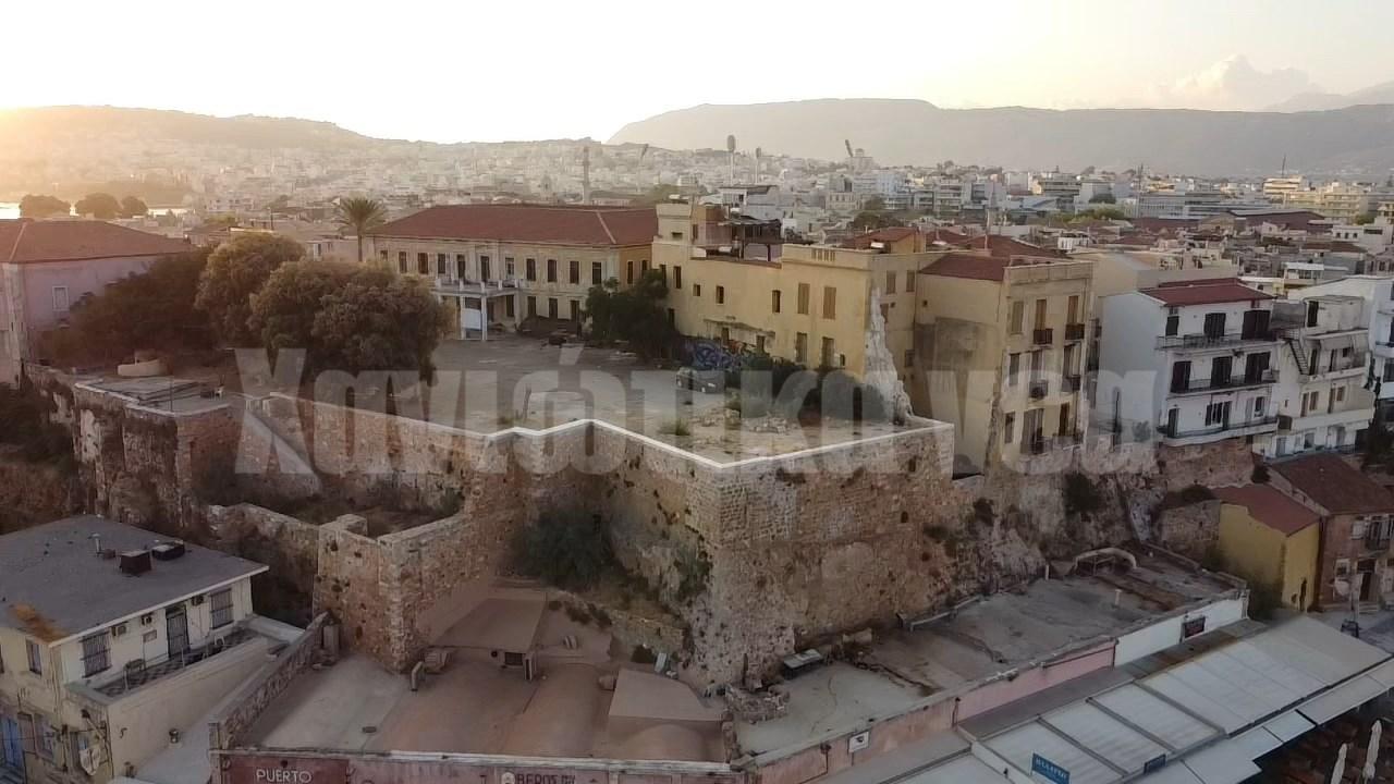 Ο Δήμος Χανίων αλλάζει την πρόταση για τον Λόφο Καστέλι | Χανιώτικα Νέα